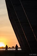 Por do sol no MAM (felipetricoli) Tags: travel sunset pordosol brazil arquitetura brasil riodejaneiro architecture canon museu viajando viagem traveling mam naestrada ontheroad architettura modernismo t3i reidy 600d affonsoeduardoreidy