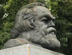 Highgate Cemetery_East_14-10-14_0050 (Joel Bybee) Tags: karlmarx historian communist journalist economist philosopher sociologist highgatecemetery
