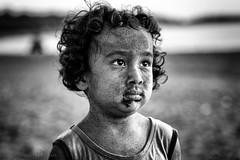 20140914-DC2C5965-Edit-2.jpg (Mookalafalas) Tags: portrait blackandwhite beach sand child taiwan sigma85mm canon5d3