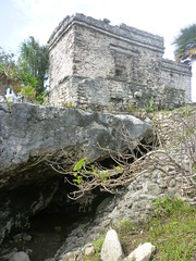 P1020358 (ferenc.puskas81) Tags: house america mexico ruins riviera maya central july tulum cenote 2010 centrale messico luglio