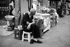 20140905-L1002544111222 (Dennis Wu6) Tags: street leica nepal 2 bw photography singapore 14 rangefinder tibet kathmandu 50 35 旅行 黑白 小印度 duba m9 人文 西藏 布达拉宫 街拍 尼泊尔 加德满都 博卡拉 大昭寺 新加坡 金沙 pokhra summcrion