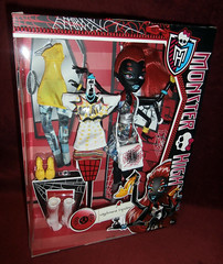 Wydowna-spider-original-boxed-front (Margarit's Dolls) Tags: original 3 love fashion monster spider high doll heart box boxed mattel i wydowna