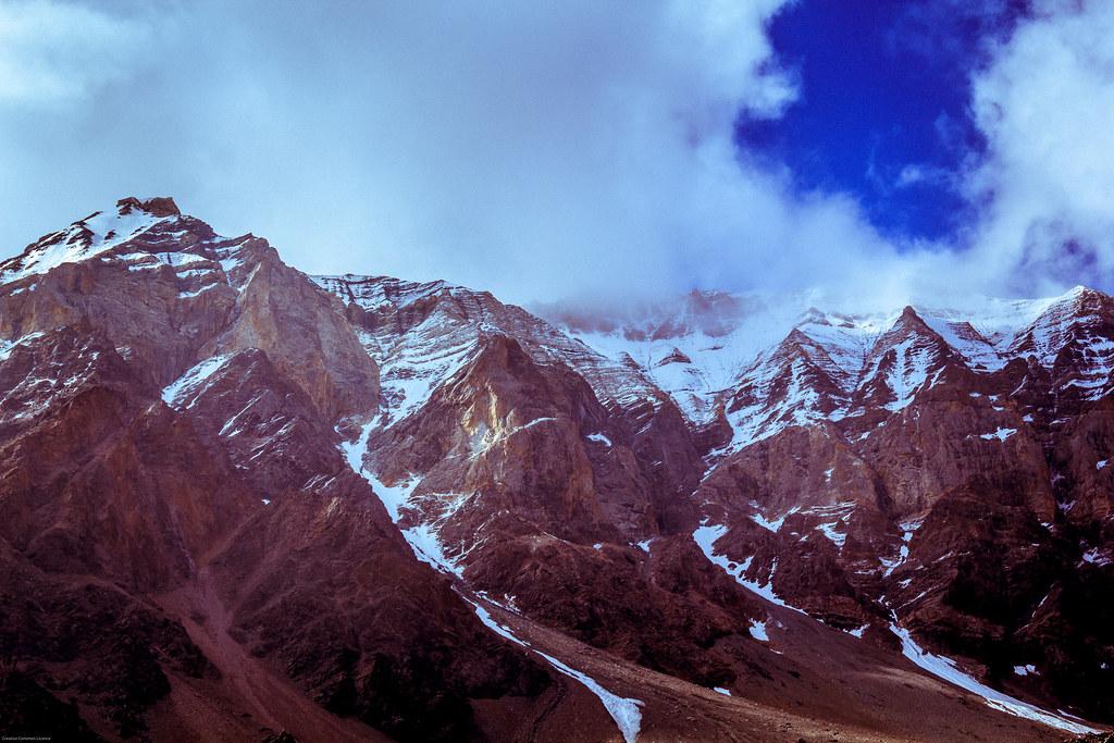 blue sky mountains highway hills leh manali himalayas