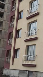 Dik bölmeli balkon korkuluğu
