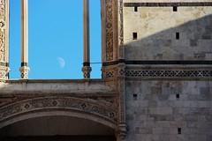 (chiara.chi) Tags: sky moon italia blu cielo siena toscana opa architettura viaggiando facciatone