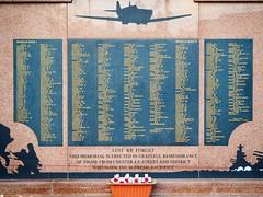 War Memorial (knoxrj) Tags: marketplace warmemorial chesterlestreet