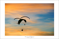 Fly to your dreams....in a Dream's sky (Emmanuel DEPARIS) Tags: sky nikon ciel vol emmanuel parachute parapente d4 planer voller deparis