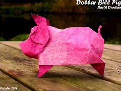 Dollar Bill Pig - Barth Dunkan (Magic Fingaz) Tags: pig cochon porc origamipig origamicochon