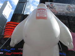 Baymax  Balloon Big Hero 6 Times Square 2014 NYC 0627 (Brechtbug) Tags: new york city nyc 6 moon man anime guy film car yellow computer movie poster square robot big rat day character cartoon ad balloon puff police astronaut disney parade marshmallow hero animation type strike macys times friday cabs six michelin android stay cosmonaut droid androids 2014 puft 11072014 baymax