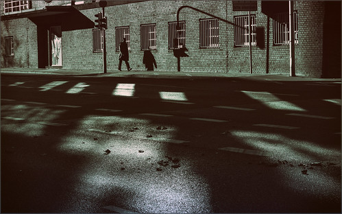 canon 50mm town shadows aachen duotone ac aixlachapelle lightshadows ludwigforumaachen glasseyesview