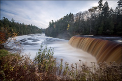 Tahquamenon Falls - Upper Peninsula, Michigan (helikesto-rec) Tags: river waterfall michigan upperpeninsula tahquamenonfalls tahquamenonriver