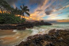 Secret Cove (mojo2u) Tags: sunset hawaii cove maui makena weddingbeach sceretbeach