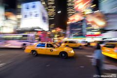taxi (Matteo Brusaschetto Photo) Tags: pictures new york nyc newyorkcity travel ny newyork america photography photo unitedstates united picture states pho viaggi viaggio uniti emozioni statiuniti stati emozione statiunitidamerica damerica