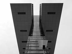 Kranhuser (rgiw) Tags: kranhuser kln deutschland schwarz weiss black white olympus omd em1 mzuiko 1240mm architektur