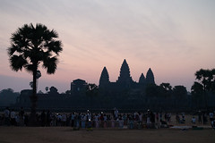 The Wat, the Tourists, and their Cellphones (abbobbotho) Tags: cambodia angkorwat krongsiemreap siemreapprovince kh