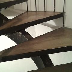 In mezzo agli scatoloni di cartone (plochingen) Tags: berlin berlino urban urbain city citta stadt minimal abstract abstrakt astratto derive less texture stairs