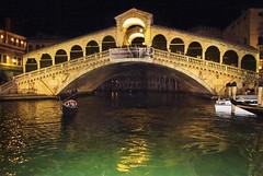 Rialto bridge, Venice, by night (Jim 592) Tags: rialto bridge venice night nighttime italy
