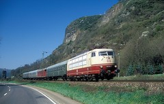 103 113  bei Erpel  02.04.05 (w. + h. brutzer) Tags: erpel eisenbahn eisenbahnen train trains elok eloks 103 e03 railway deutschland germany lokomotive locomotive zug db webru analog nikon