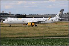 AIRBUS A321 232 Vueling EC-MLD 7105 Stuttgart Juillet 2016 (paulschaller67) Tags: airbus a321 232 vueling ecmld 7105 stuttgart juillet 2016