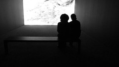 A14059 / silhouettes in a screening room (janeland) Tags: sanfrancisco california 94103 sfmoma may 2016 screeningroom desaturated silhouettes people bw blackandwhite
