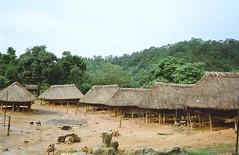 Katou (Kantou), Skong (Xkong), Laos (Lionel Bulon) Tags: tribal tribe laos ethnic lao kato hilltribe tribu southernlaos katu kantou katou ethnique sekong khatu xekong laotheung laothoeng kontou laoteung laostribe lionelbulon