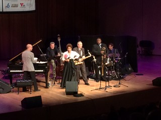 UM's dean of music Shelly Berg, left, with The Jazz Cruise All  Stars and singer Niki Harris at their Festival Miami concert