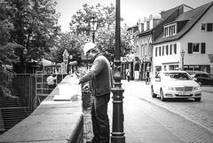 Hard work (cb-zoom l Christian Becker-Fotografie) Tags: city people blackandwhite work photography nikon streetphotography menschen stadt worker dslr dsseldorf arbeit workingman arbeiter kaiserswerth spiegelreflex schwarzweis arbeiterklasse stadtteil nikond60 streetfotografie cbzoom