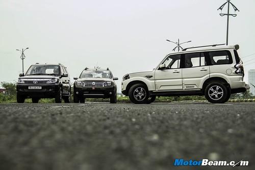 Tata-Safari-vs-Mahindra-Scorpio-vs-Renault-Duster-05