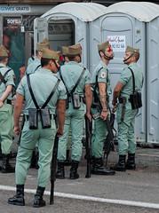 A mí la Legión! (Carlos Javier Pérez) Tags: desfile español preparativos legión ejército aseos credolegionario díadelafiestanacional 12deoctubre2014 amílalegión