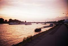 sunset (somekeepsakes) Tags: sunset film analog river germany deutschland lca europa europe sonnenuntergang analogue fluss dsseldorf rhine rhein 2010 agfavista200