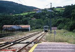 FEVE (FG) - Cudillero  27-7-2011 (luisignacio.alonso) Tags: cudillero asturies feve vaestrecha automotoresdiesel ferrolgijn cuidieiru