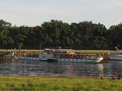 Dresden-0117_1 (pischty.hufnagel) Tags: dresden elbe dampfschiff dampfschifffahrt kurort rathen wende schaufelraddampfschiff schaufelraddampfer