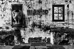 Segregatorum (en Capturas) Tags: surrealismo surreal surrealism surrealista art arte work encapturas pic bnwphoto bnwphotgraphy conceptual surrealisme breton andre dali manifiesto surrealist blackwhite grey windows ventanas ventana window puerta llaves door keys selfportrait portrait autorretrato soledad aislamiento poder loneliness