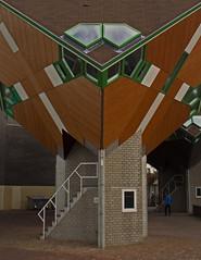 Helmond - Speelhuisplein (grotevriendelijkereus) Tags: helmond noord brabant netherlands nederland holland stad plaats village town city architecture architectuur building gebouw cube kubus kubuswoning