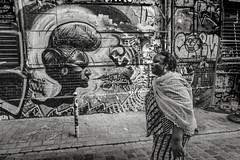 * (Christophe.Frossard) Tags: leica summilux 28mm fullframe streetphotography street blackandwhite blancoynegro bw black uncropped christophefrossard mattanga mirrorless paris belleville streetart tag
