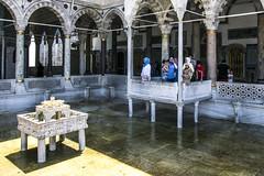 Topkapi Palace - fountain, Istanbul, Turkey (6.8. 2016) (Roman Rogner) Tags: topkapi palace fountain istanbul turkey turecko sarayı ottoman sultan
