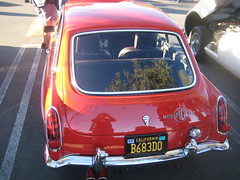 MGB GT. (goldiesguy) Tags: goldiesguy automobile auto automobiles antique cars car classic classics carshow classicrearendscars classicrearend old outdoors vehicle englishcars mg mgbgt