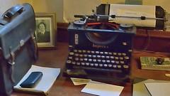 Chatham :  bord du navire Cavalier (Michel Leclercq) Tags: michelleclercq chatham angleterre cavalier machinecrire bureau typewriter england britain