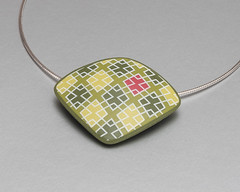 Pendant Olive-Green Diamonds (ST-Art-Clay) Tags: silkscreen moiko polymer clay