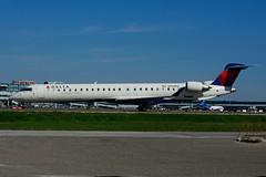 N341PQ (Endeavor Air) (Steelhead 2010) Tags: deltaconnection deltaairlines endeavorair bombardier crj900 crj yyz nreg n341pq