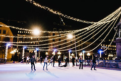 Evening ice skating (Fredrik Forsberg) Tags: sweden stockholm kungstrdgrden iceskating lights dark winter snow ice kungsan people evening blurry
