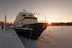 Iisalmi (Tuomo Lindfors) Tags: iisalmi suomi finland dxo filmpack porovesi hotellilaivawuoksi hotelli hotel laiva ship wuoksi aurinko sun lumi snow