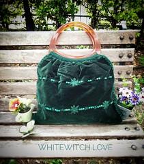 Japanese Crochet Bag กระเป๋ากำมะหยี่เนื้อดีผสมผสานงานถักปัก โครเชต์ เป็นงานญี่ปุ่นนำเข้า Size: ขนาด กว้าง 43 cm. สูง 36 cm. หูจับ 17 cm. Price 490.  #ส่งฟรีแบบลงทะเบียน inbox สอบถามได้ค่ะ ☺☺ Line id: whitewitch.love  #bagthailand #diythailand #bohemianbag