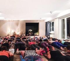 Volle Bude im atha Yoga Zürich. Heute stehen Prüfungen an! #everychallengemakesyoustronger