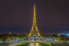 The golden Lady (aurlien.leroch) Tags: france paris toureiffel eiffeltower night cityscape nikon d7100 longexposure trocadéro invalides