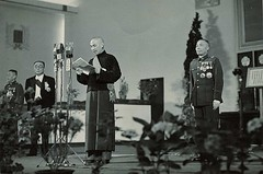 #Chiang Kai-shek's inauguration speech as the first president of the Republic of China under the 1948 constitution [965x640] #history #retro #vintage #dh #HistoryPorn http://ift.tt/2giCuQg (Histolines) Tags: histolines history timeline retro vinatage chiang kaisheks inauguration speech first president republic china under 1948 constitution 965x640 vintage dh historyporn httpifttt2gicuqg