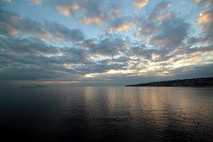 In the evening... (modestino68) Tags: tramonto sunset mare sea cielo sky nuvole clouds riflessi reflects isola island napoli naples capri raycharles