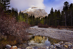 Mosquito Creek (lfeng1014) Tags: mosquitocreek banffnationalpark icefieldparkway canadianrockies rockymountains mountain creek water reflection autumncolours autumn alberta canada canon5dmarkiii ef1635mmf28liiusm lifeng travel