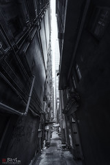 Alley, Central, Hong Kong. (Bill Thoo) Tags: alley hongkong hk central street building architecture industrial grunge monochrome blackandwhite sony a7rii samyang 14mm