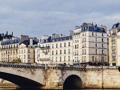 Paris my Love ❤️🌟 (odeh3) Tags: quaideseine bâtimentdeparis architecture architecturedeparis ilesaintlouis pontdelatournelle paris